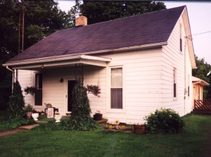 William Williamson built his family's first home in West Union, Ohio, in 1805. The charming cottage was named The Beeches for the trees which surrounded the homestead. Jane Williamson lived here from 1805 until 1843.